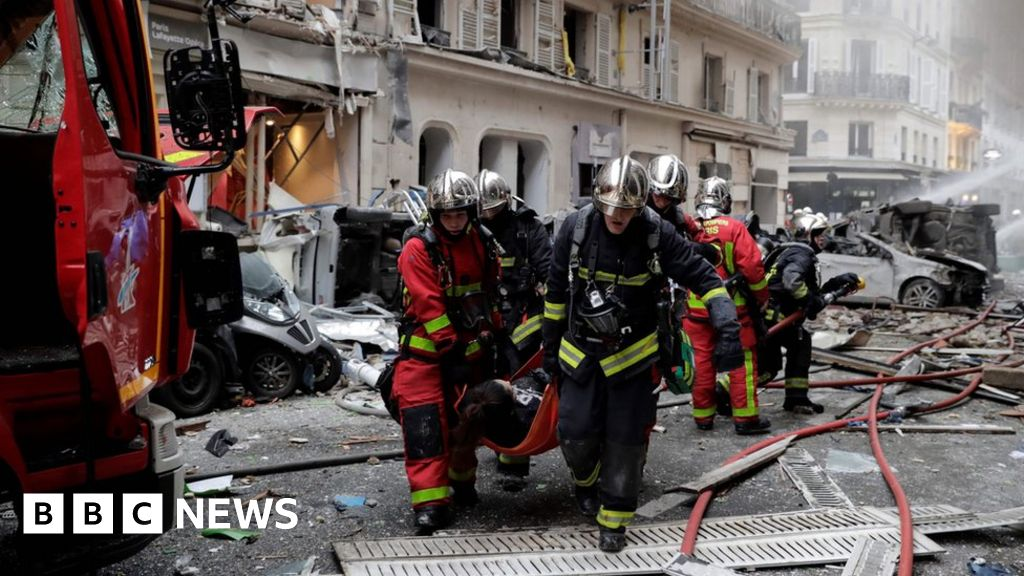 Powerful blast hits street in central Paris