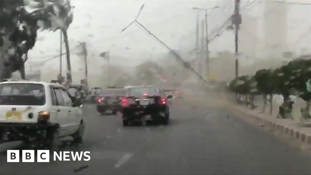 Pakistan dust storm leaves three people dead - BBC News