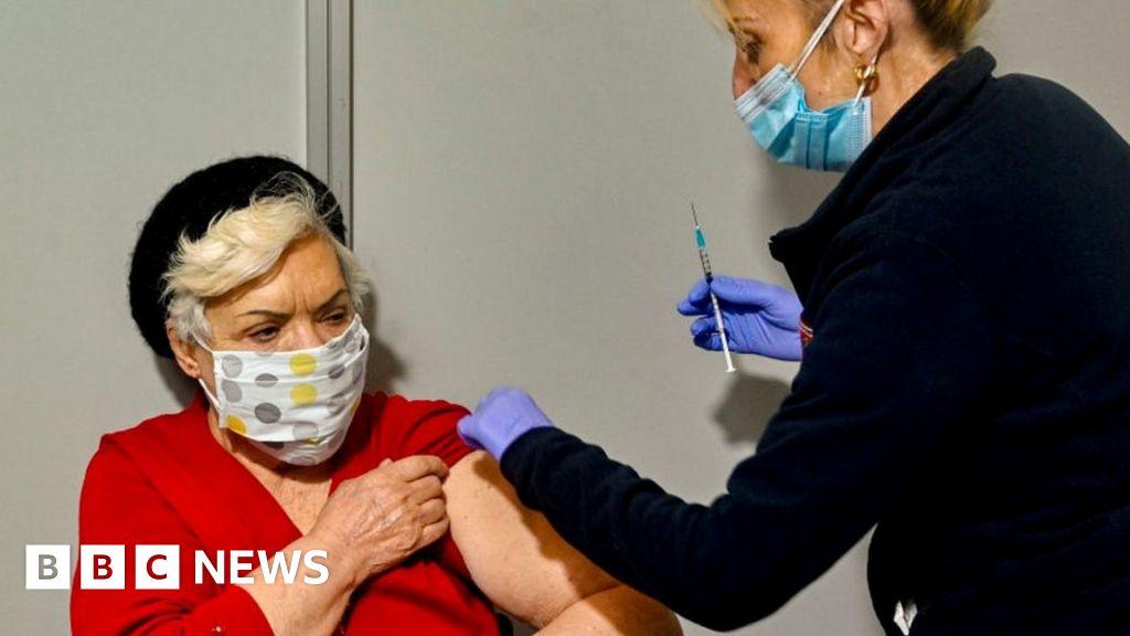 Image Coronavirus: EU urged to adopt joint 'vaccine certificates'