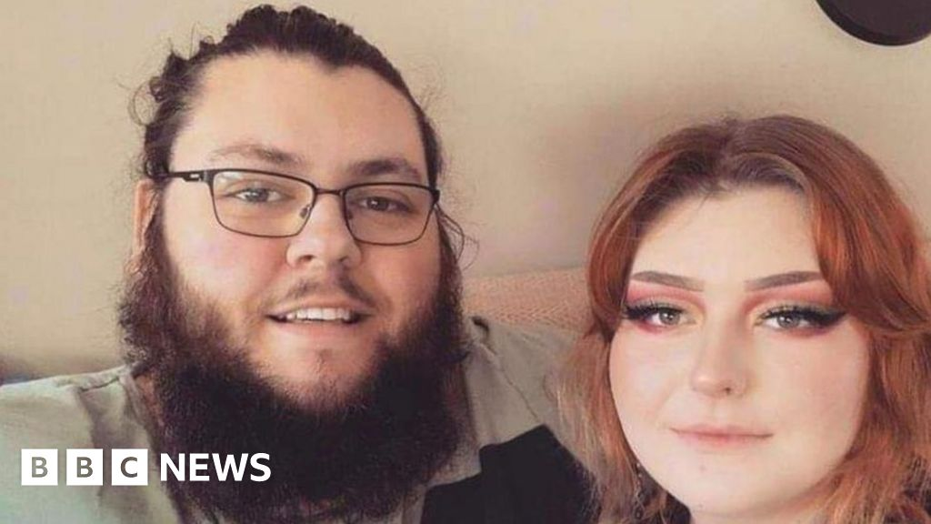 Frome couple lose savings in Royal Mail text scam