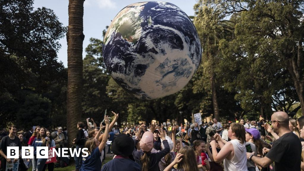 Climate change: Thousands invited to join citizens' assembly