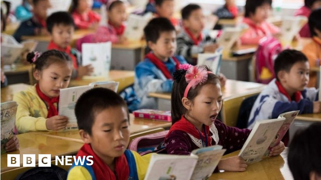Chinese schools 'robbing young of individuality' - BBC News