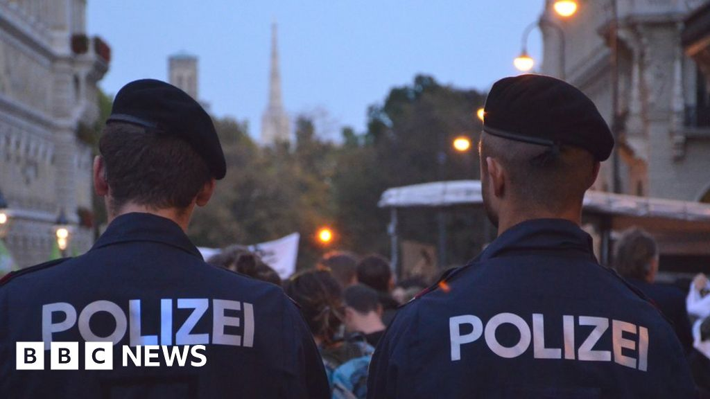 gay-austrian-policeman-wins-long-fight-for-justice