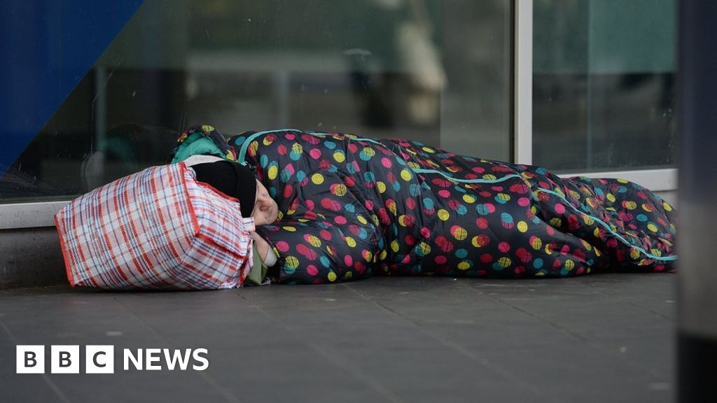 Government pledges £236m to help rough sleepers