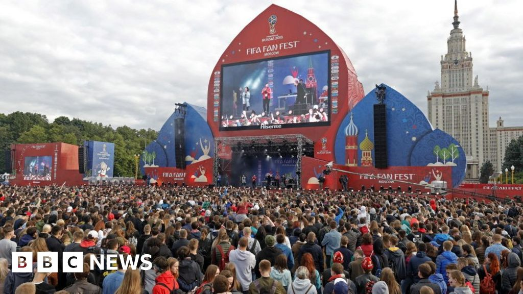 World Cup: Fears of gay fans heading to Russia