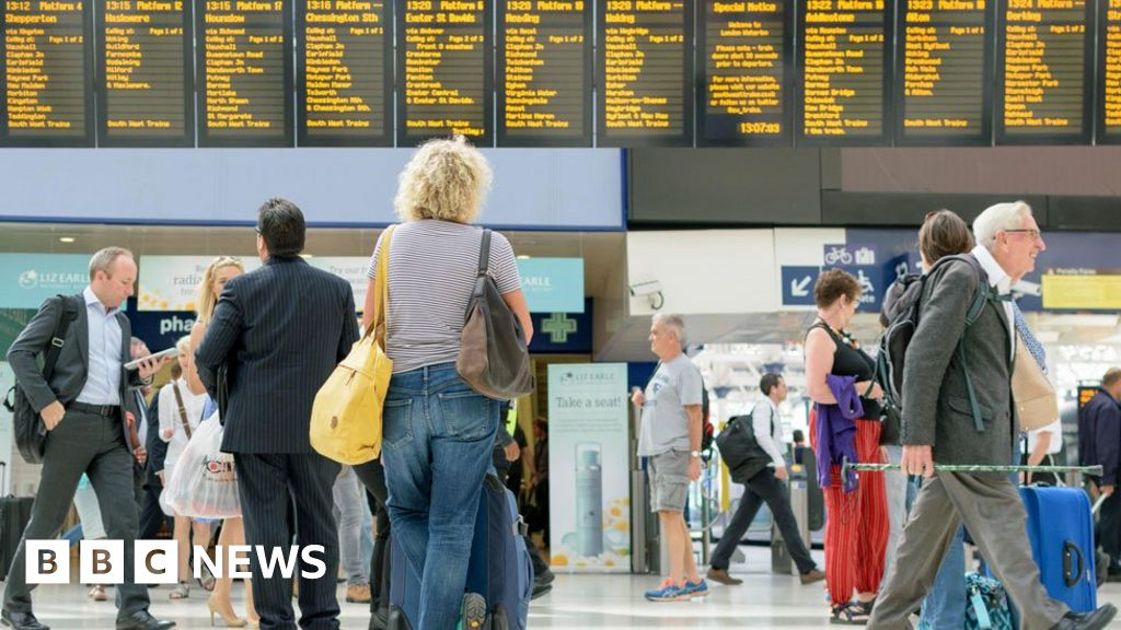Rail: 'Lack of accountability' led to timetable chaos