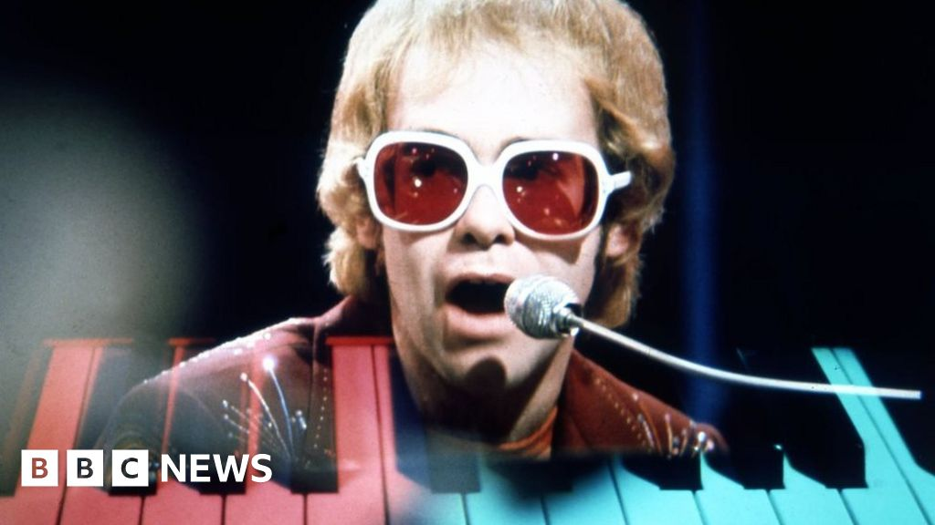 Elton John: 'I still want my dad's approval'