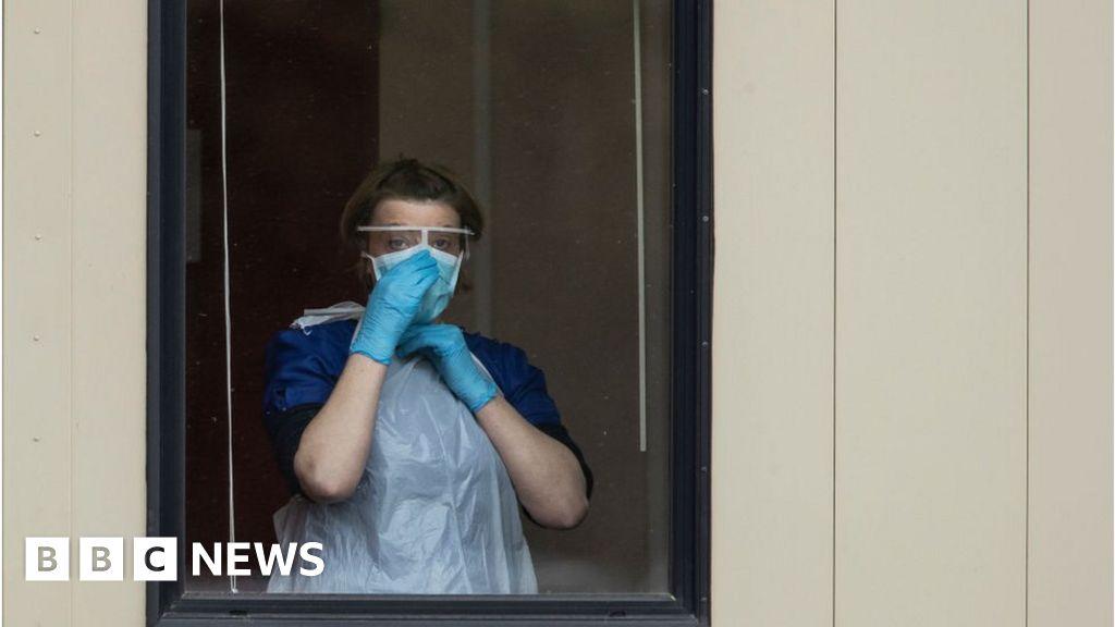 Coronavirus: update Tomorrow as NHS chief makes dresses plea