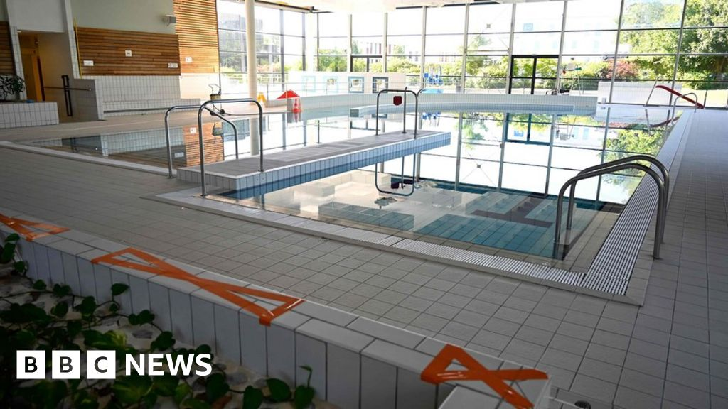 Coronavirus: What might swimming pools be like after lockdown?