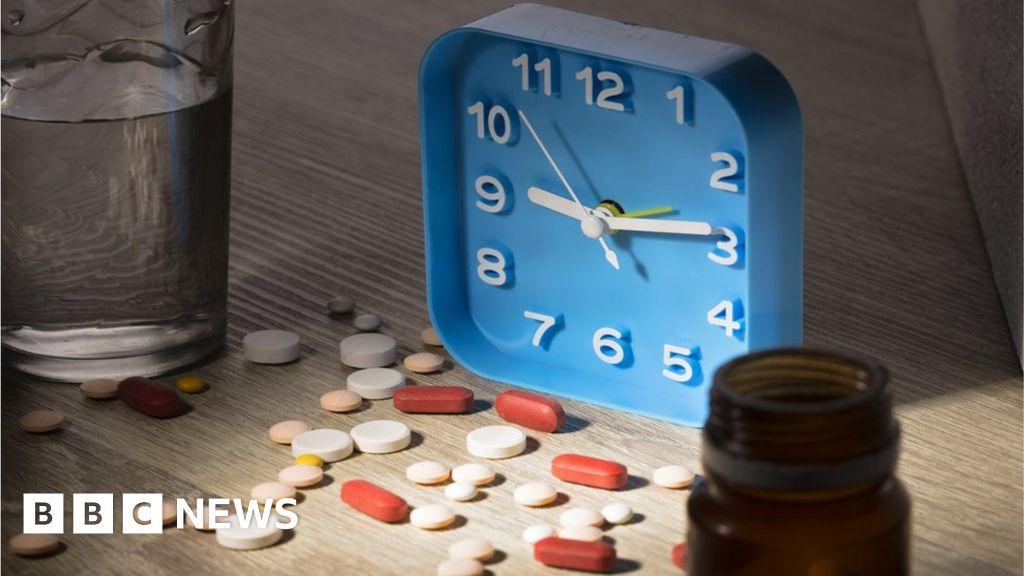 Blood pressure pills 'work better at bedtime' thumbnail
