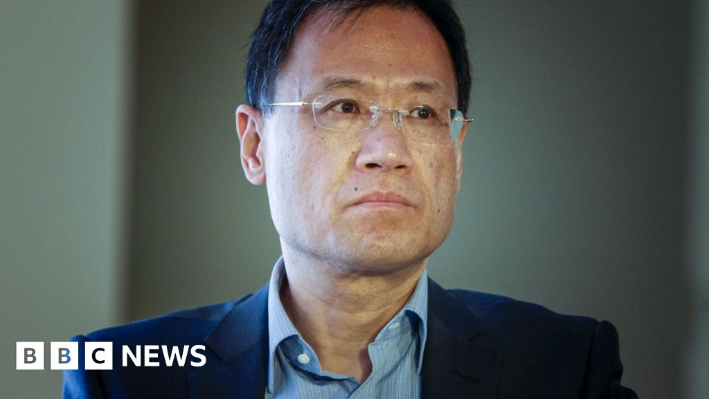 Xu Zhangrun: Outspoken professor detained in China - BBC News