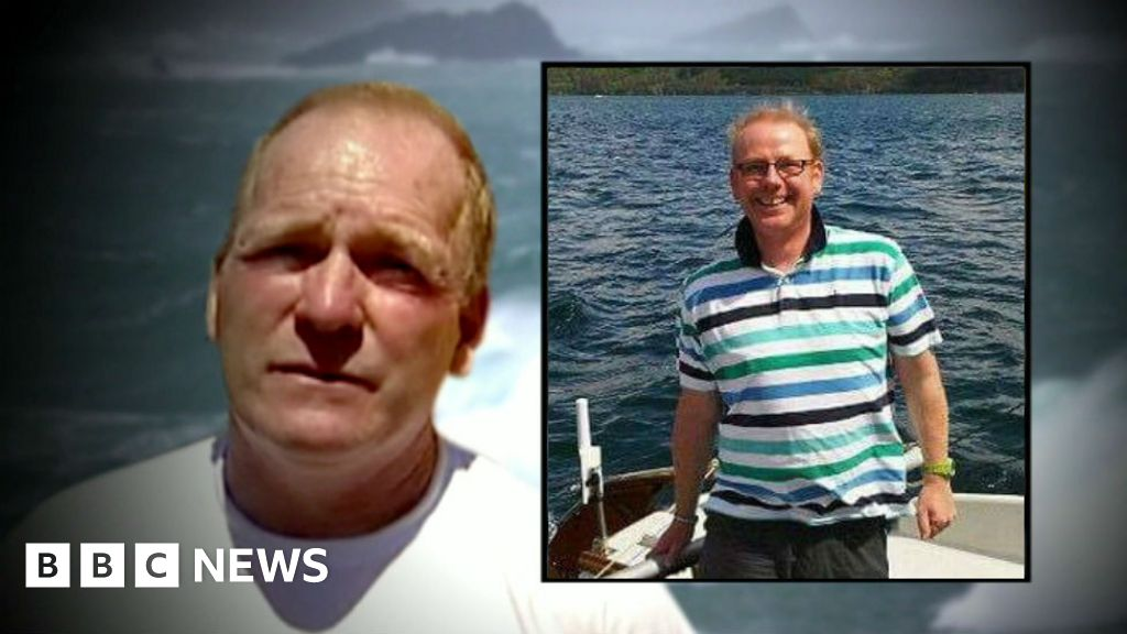 Fisherman's Friends deaths: David Naylor acquitted - BBC News