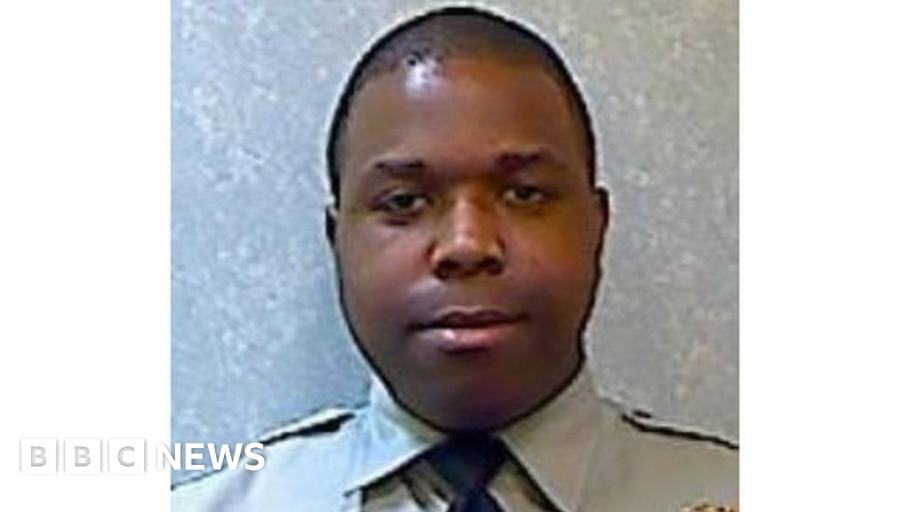 Maryland police officer charged with murder in killing of handcuffed man thumbnail