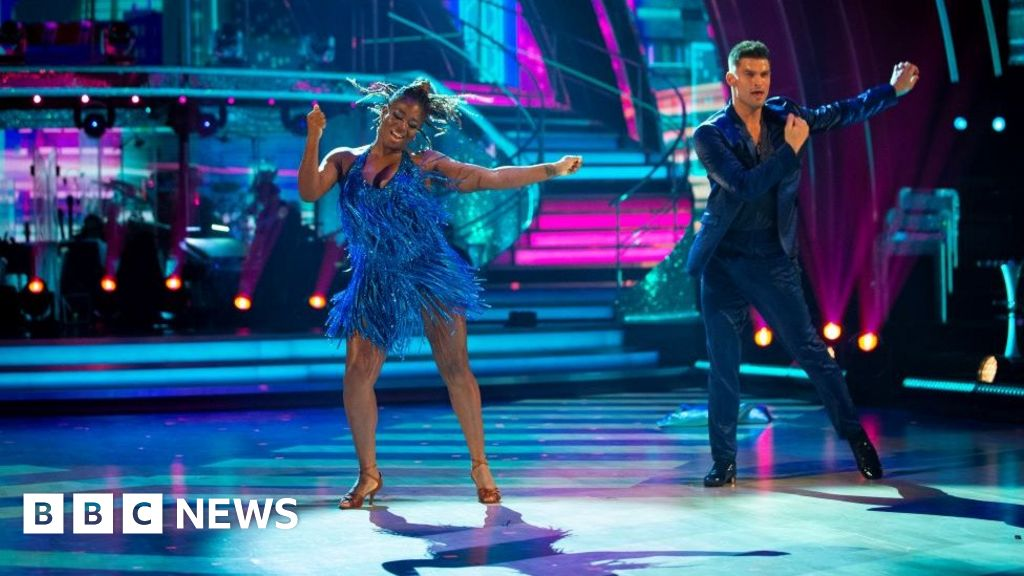 Strictly Come Dancing: NHS tribute as live shows begin