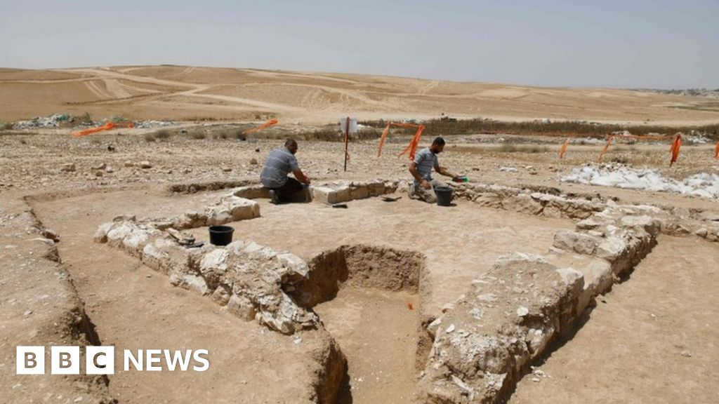 Israeli archaeologists find 1,200-year-old mosque