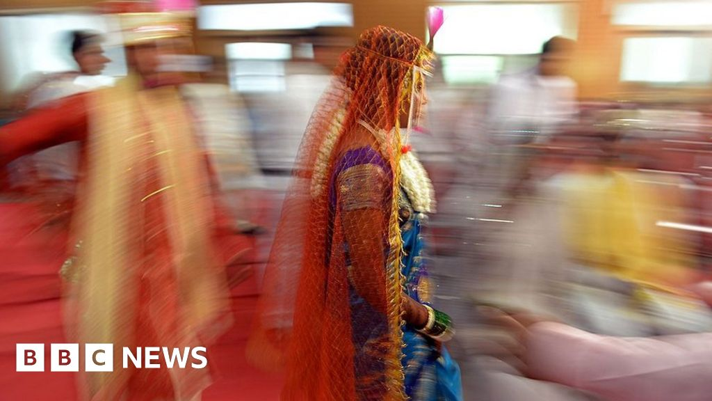 What divorce and separation tell us about modern India - BBC
