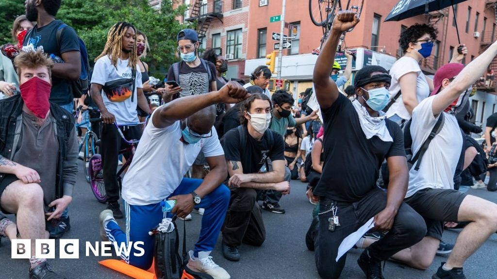 Black Lives matter: where does  under the knee  come from?