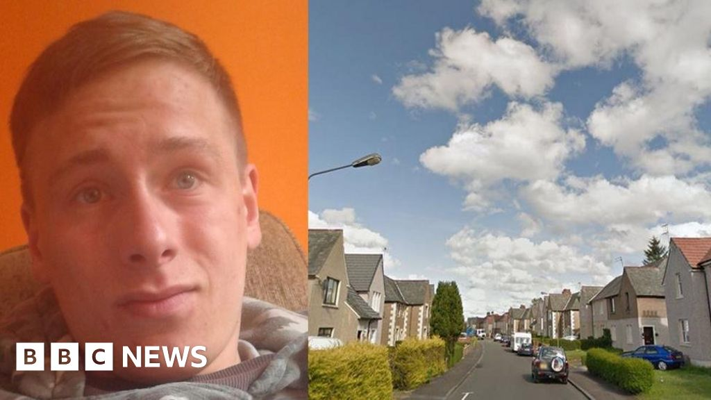 Charity worker admits stabbing housemate to death in Falkirk thumbnail
