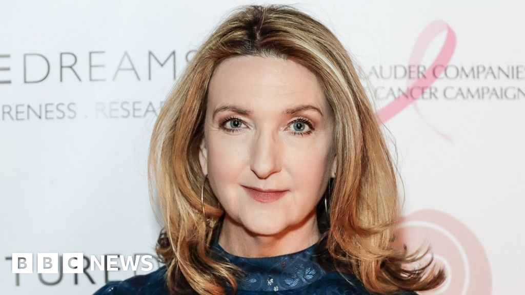 Victoria Derbyshire Sorry For Christmas Rule Breaking Comments Bbc News