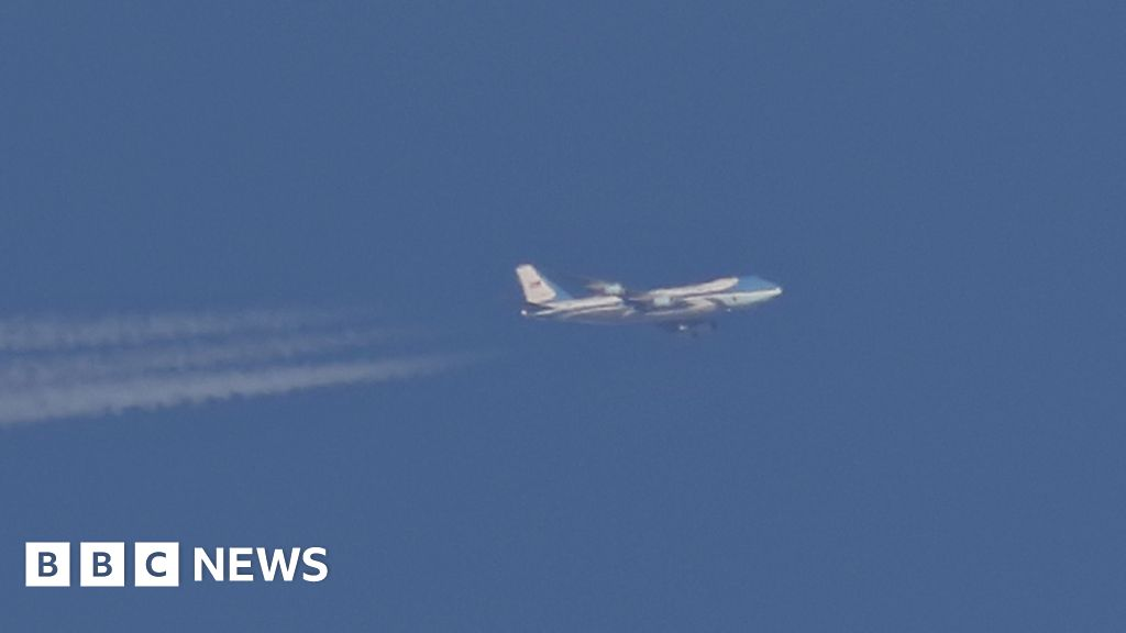 Air Force One seen over Sheffield on secret journey BBC News