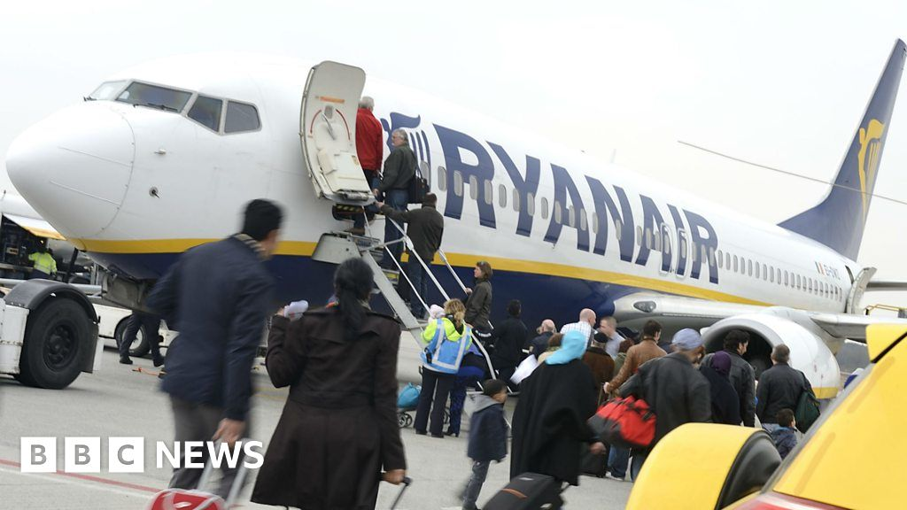 ryanair reviewing second carry on bag allowance bbc news. Black Bedroom Furniture Sets. Home Design Ideas