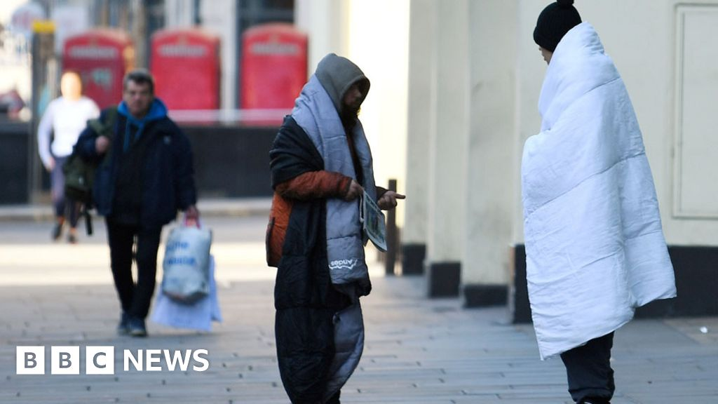 """Coronavirus: thousands of homeless people """"back on the streets of July"""