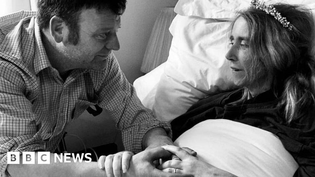 Emma Drew: Bride dies hours after Valentine's Day wedding - BBC News