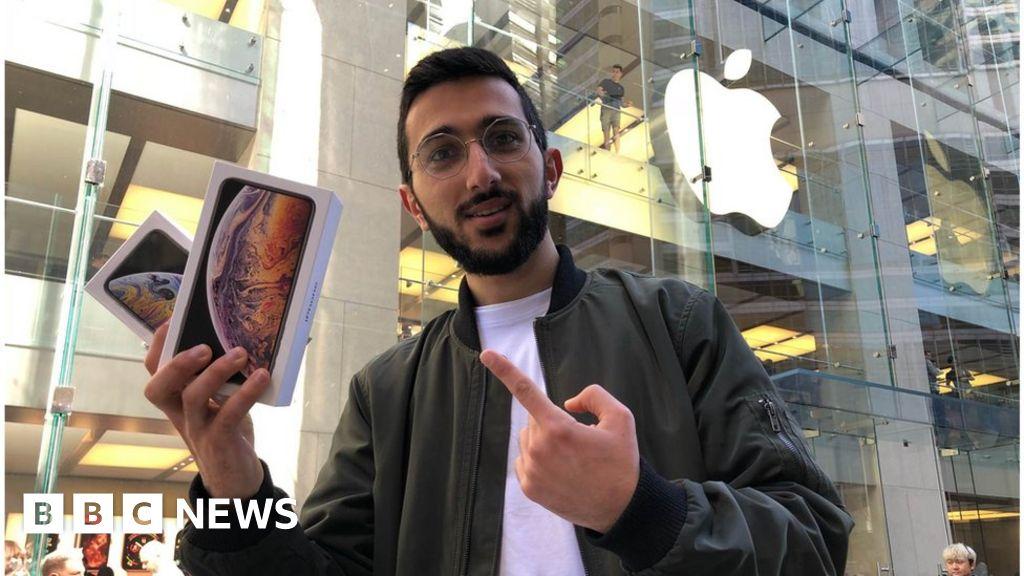 Coronavirus threatens the next generation of smartphones - BBC News