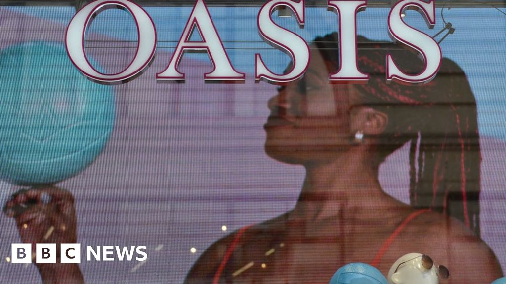 Oasis and Warehouse 'to fall into administration'