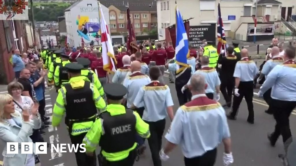 Loyalist band 'not welcome' in future parades