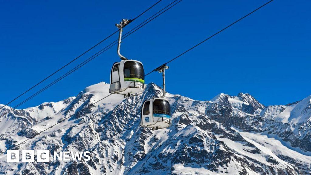Coronavirus: Five Brits in French ski chalet catch virus