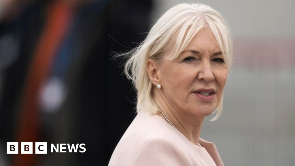 Minister Nadine Dorries accused of spreading 'fake news' about Labour leader thumbnail
