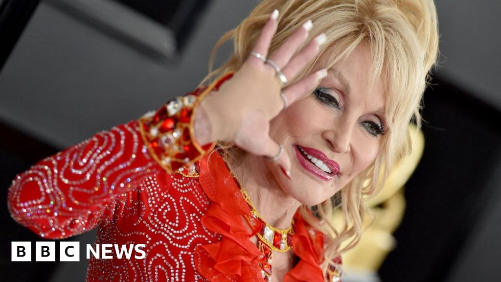 Dolly Parton: 'Of course black lives matter!'