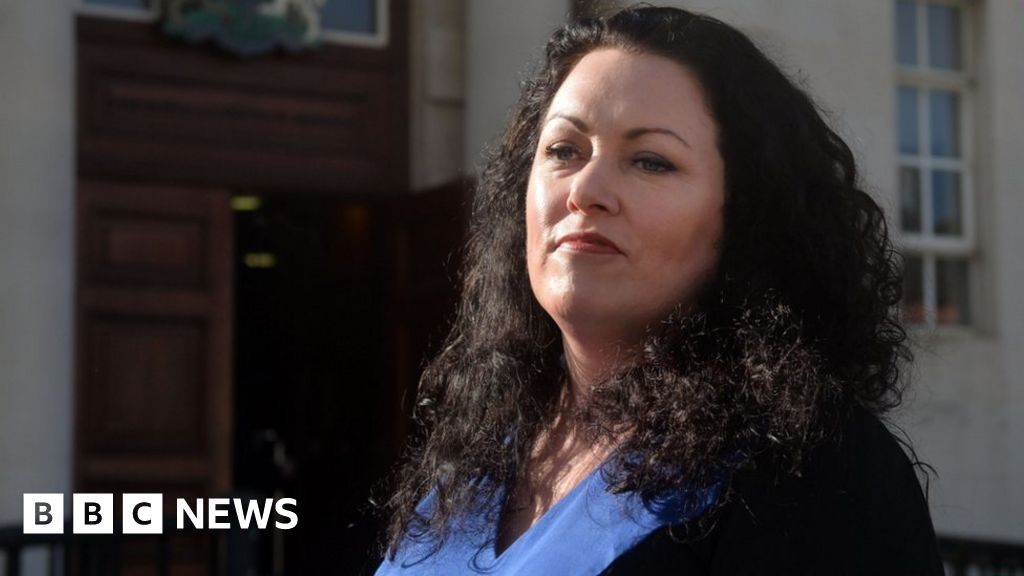 Sex workers  rights campaigner Laura Lee dies - BBC News 38854a132