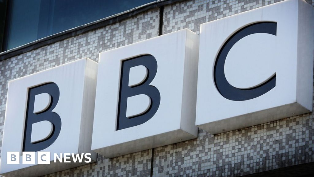 Tory MPs warn No 10 against conflict with BBC