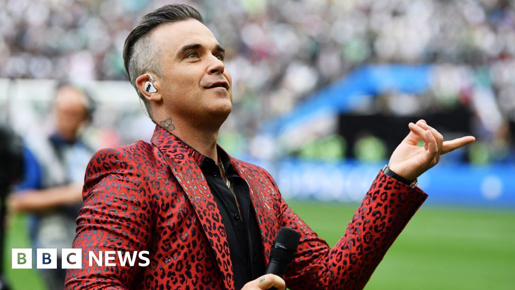 World Cup 2018: Fox apologises after Robbie Williams gives finger