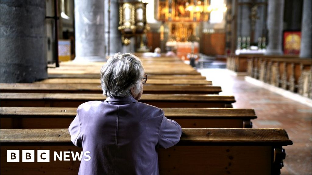 Coronavirus: Places of worship to reopen for private prayer