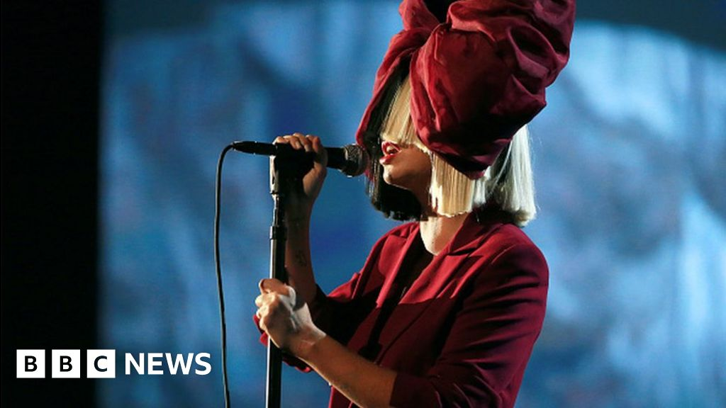Pop star Sia reveals struggle with chronic pain disorder
