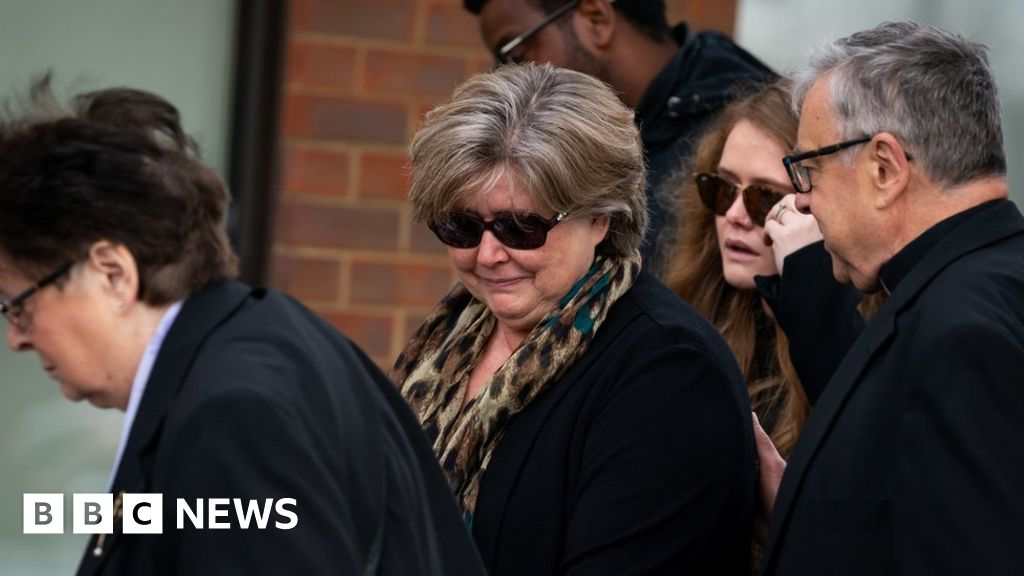 Sir David Amess death: Family visit Leigh-on-Sea church to read tributes