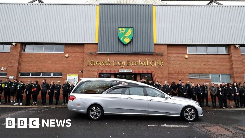 Duncan Forbes funeral held at Carrow Road for family and fans - BBC News