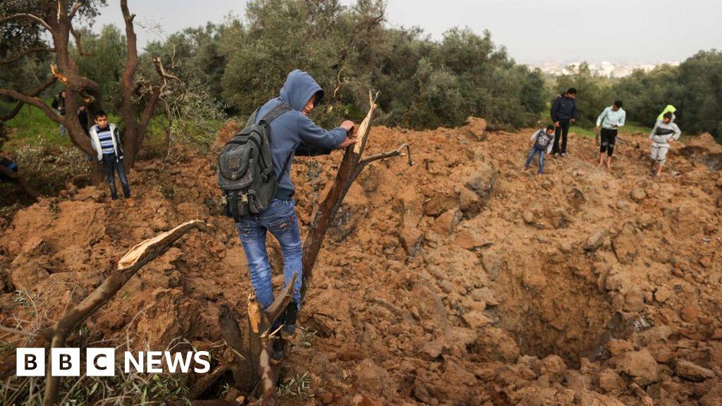 Israeli strikes follow Gaza border blast