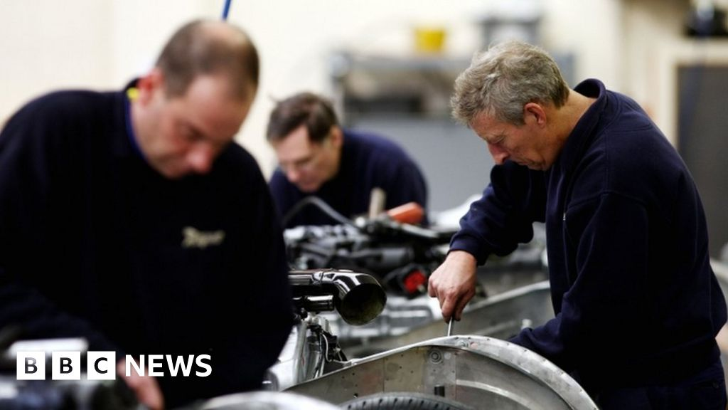 UK factory output  falls at fastest pace for seven years