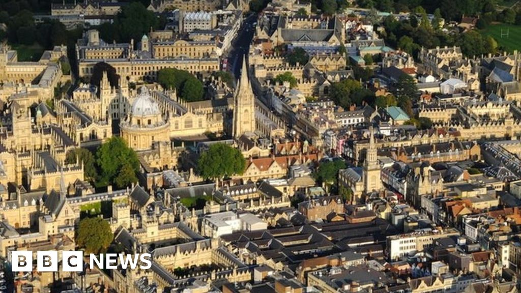 Covid: Oxford University cases triple on previous week