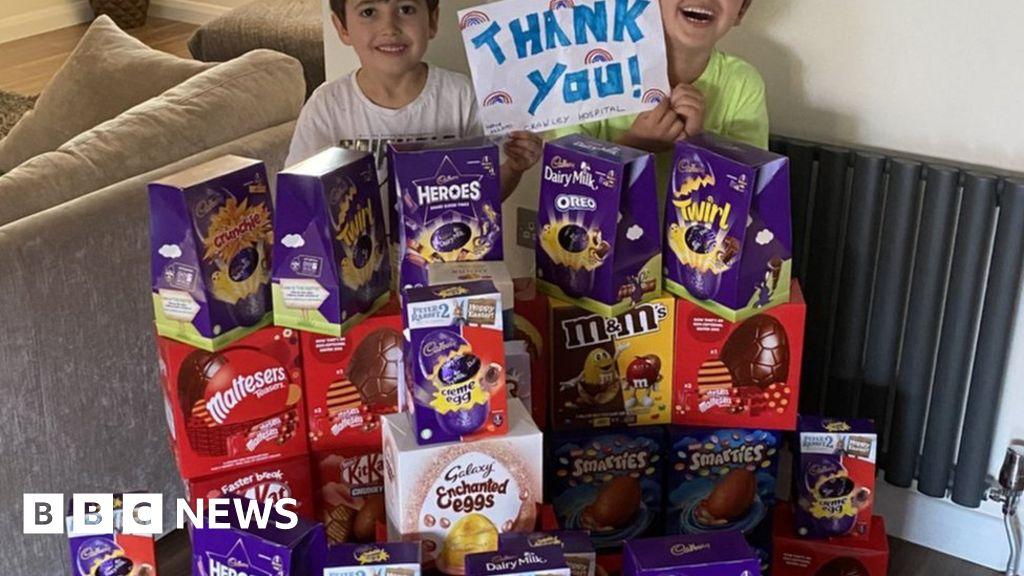 Coronavirus: people thank key people with Easter eggs