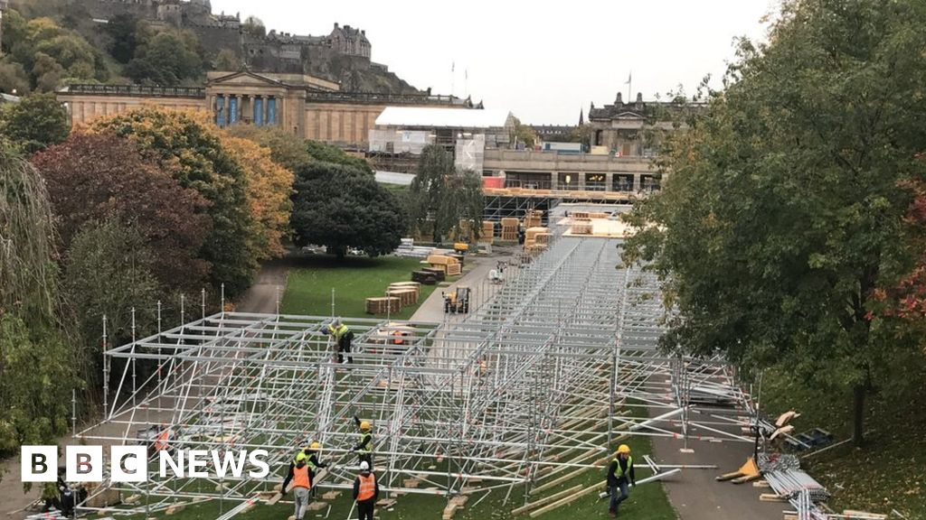 Edinburgh's Christmas market will not open unless it is safe, council says