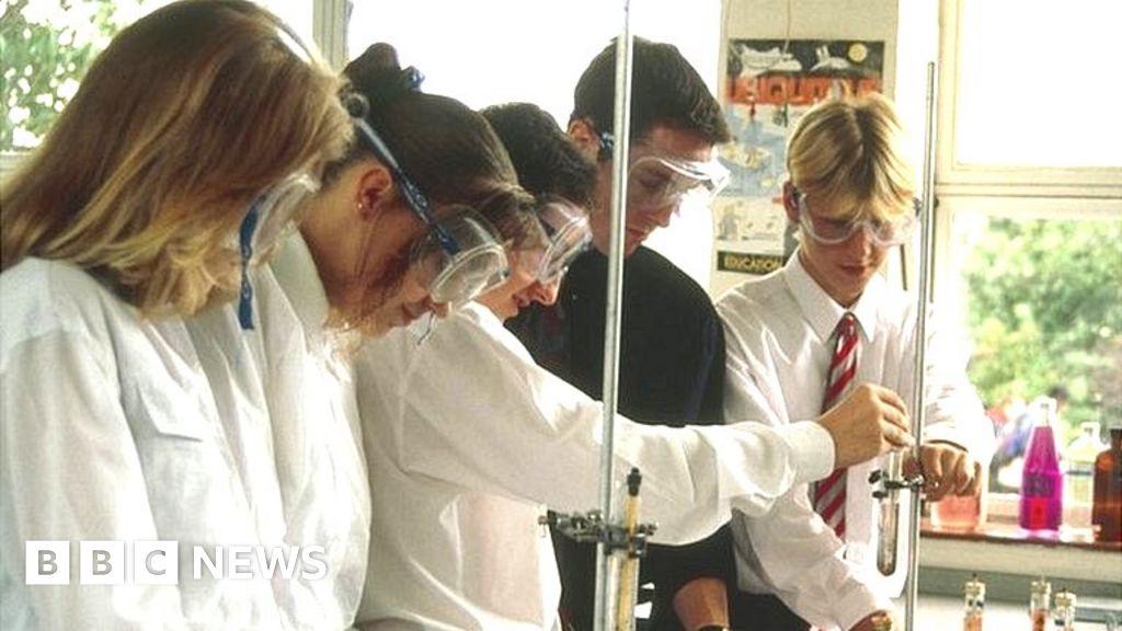 Labour accuses Boris Johnson of recycling teacher payment scheme