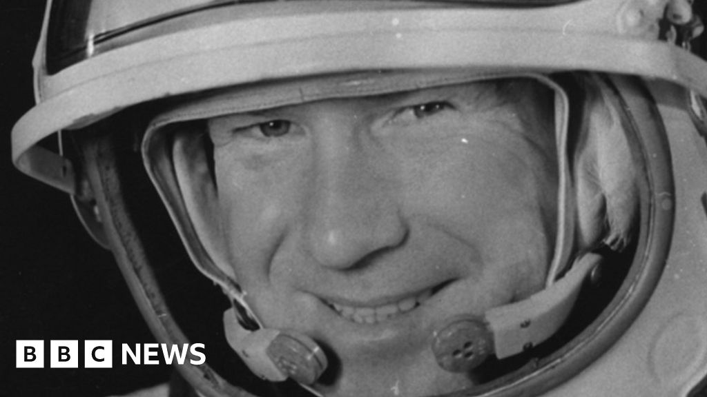 Alexei Leonov, the First person to die walk in the room, at the age of 85 years