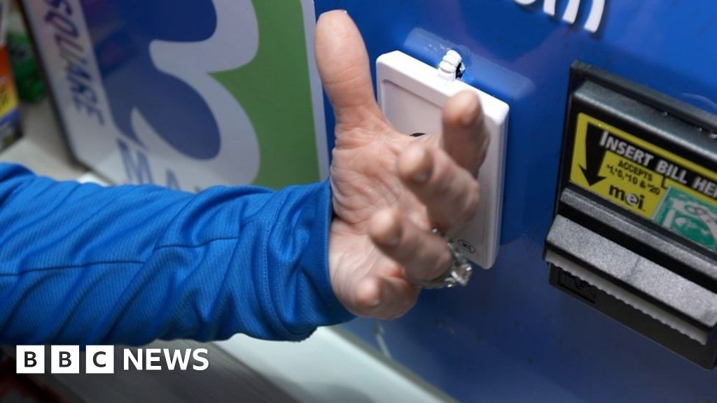 US company offers to microchip employees