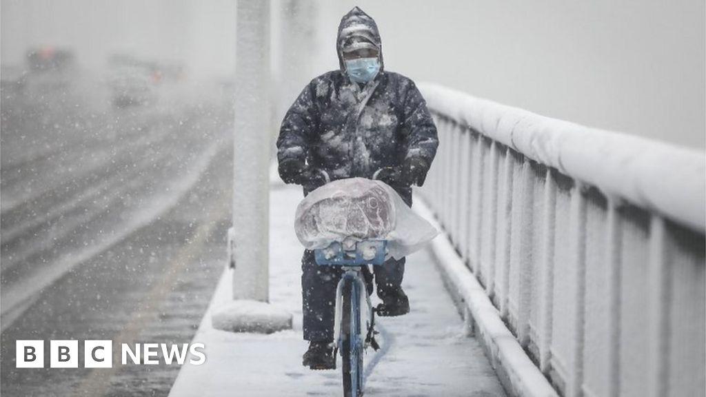 China restricts movement to fight coronavirus