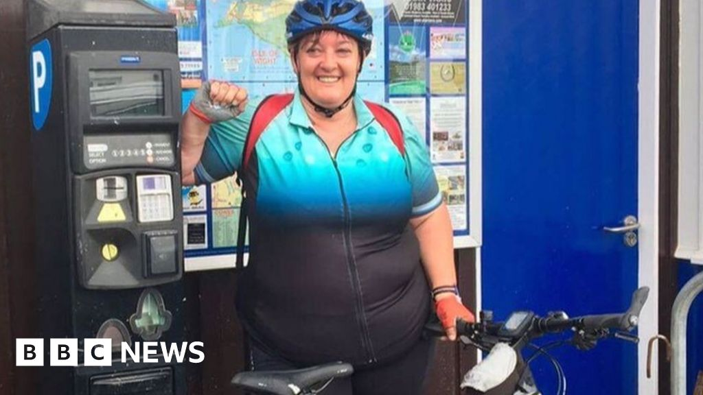 Do cyclists have to be slim to wear Lycra  - BBC News fe861d2f6